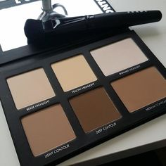 Go PRO with LORAC PRO Contour Palette! This PRO artistry palette contains 2 matte highlighters, 1 shimmer highlighter and 3 matte contour shades to easily create perfectly sculpted features. A $145 value! Bronzer Makeup, Highlighter And Bronzer, Kiss Makeup, Beauty Makeup, Beauty Tips, Contour Brush, Makeup Items, Makeup Products, Maquillaje