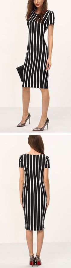 Take a step out of the door in the Vertical Striped Long Sheath Dress and you'll want to spend the day showing it off! So fantastic design. A lady as lovely as you surely deserves this.