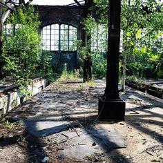 ein alter #bahnhof #verlassen                              …