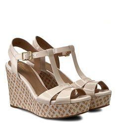 Sandale Cu Platforma Ortopedica Clarks Piele Lacuita Mai, Wedges, Shoes, Fashion, Moda, Zapatos, Shoes Outlet, Fashion Styles, Shoe