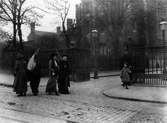 1908: Suffragettes picketing Holloway prison, London, while Emmeline Pankhurst was imprisoned there.