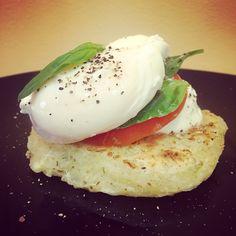 Yuca Capresa con Huevo Poché #desayuno #breakfast #catering #brunch #eventoslovelypf