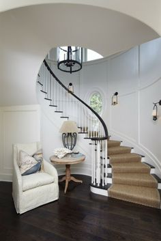 Shingle Style Beach House - Home Bunch - An Interior Design & Luxury Homes Curved Staircase, Staircase Design, Winding Staircase, Spiral Staircases, Foyer Staircase, Staircase Runner, Stair Railing, Black Staircase, Entryway Stairs