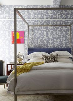A Contemporary Four Poster In The Guest Room Sets Off The Fanciful Patterns  Of Schumacheru0027s