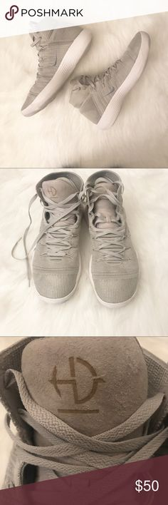16766a43373e Nike Men s Kevin Durant Basketball Sneakers Nike Men s Kevin Durant  Basketball Sneakers Good used condition Size