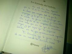 @JavierBPeinado La hermana de Javier le regaló La Leyenda del Ladrón por su cumpleaños... y me ha dejado sin sitio para dedicárselo!! :D