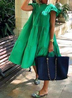 Green Midi Dress, Pleated Midi Dress, Midi Dresses, Smock Dress, Linen Dresses, Fashion Mode, Fashion Outfits, Womens Fashion, Mode Kimono