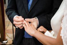 Hochzeit bei Münschen Kloster Scheflarn Holding Hands, Blog, Engagement, Blogging