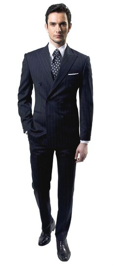 Black double breast, with pinstripes. Men's Fashion, Estilo Fashion, Men Dress Up, Suit Combinations, Suit Shoes, Black Leather Dresses, Elegant Man, Dapper Men, Men Formal