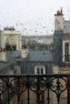 rainy day in paris unter We Heart It.
