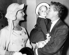 Errol Flynn bestows a welcoming kiss on daughter Arnella, as she and mom Patrice Wymore joined him in Havana, Cuba. Hollywood Couples, Old Hollywood Stars, Hollywood Fashion, Hollywood Glamour, Hollywood Style, Classic Hollywood, Old Movie Stars, Classic Movie Stars, Classic Movies