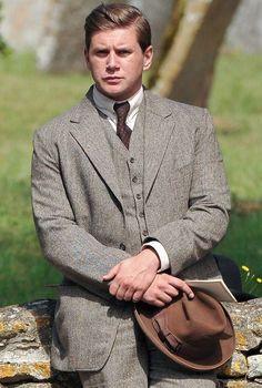 Tom-Branson-to-leave-Downton-Abbey-223364.jpg (590×875)