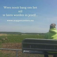 50 TINTEN ZOMERGROEN Dag 40 Wees nooit bang om het stil te laten worden in jezelf... #50TG #stappenzetten #wandelcoaching #natuur #nature #naturelovers #iloveit #loveit #dailypic #instapics #instaquotes #dailyquote #dutch #silence #dontbeafraid