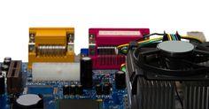 Tipos de enfriamiento de CPU. Los procesadores de computadoras modernas funcionan a miles de ciclos de reloj por segundo, generando una cantidad enorme de calor mientras lo hacen. Debido al calor desprendido por los procesadores requieren refrigeración con el fin de mantenerse dentro del rango de temperatura adecuado y evitar daños. Hay varias opciones disponibles para ...
