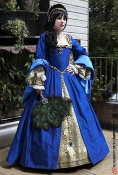 Anne Boleyn Dress- another example of what I have in mind for my dress.