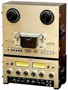 AKAI Pro-1000 - www.remix-numerisation.fr - Rendez vos souvenirs durables ! - Sauvegarde - Transfert - Copie - Digitalisation - Restauration de bande magnétique Audio - MiniDisc - Cassette Audio et Cassette VHS - VHSC - SVHSC - Video8 - Hi8 - Digital8 - MiniDv - Laserdisc - Bobine fil d'acier - Micro-cassette - Digitalisation audio - Elcaset