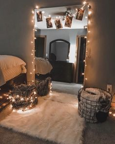 String Lights In The Bedroom, Decorative Lights In Bedroom, Room Decor With Lights, Cool Lights For Bedroom, Bedroom With Fairy Lights, Teen Bedroom Lights, Twinkle Lights Bedroom, Bedroom Decor Lights, Bedroom Ceiling