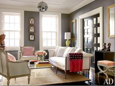 Brooke Shields living room in NYC is also dark – and it is also a mix of new and old.