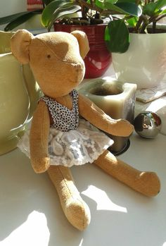 "Vintage looking teddy bear ""Tezi"" I sewed for Tonie Plushies, Vintage Looks, Teddy Bear, Sewing, Toys, Animals, Activity Toys, Dressmaking, Animales"