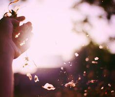 De que me adianta temer o que já aconteceu?  O tempo do medo já aconteceu, agora, começa o tempo da esperança. Paulo Coelho