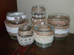 Cristina, del blog Mi armario coqueto , nos ha propuesto reutilizar frascos de cristal para la fiesta DIY Maniacas delmes de septiembre. ...