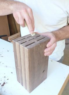 Wooden knife blocks are handy but they can take up space. Seth Keller's DIY knife block plans teach you how to build a stylish, smaller version. Diy Knife, Wood Knife, Woodworking Furniture, Woodworking Crafts, Block Plan, Knife Storage, Knife Holder, Diy Holz, Diy Wood Projects
