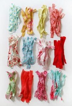 Make Me: Pretty Scrap Fabric Tassels http://decor8blog.com/2013/09/18/make-me-pretty-scrap-fabric-tassels/#comment-125024