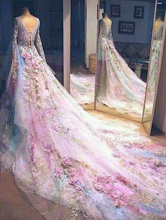 Magical fairy inspired dress -- WANT!!!
