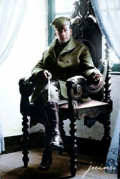 Douglas MacArthur during WWI. By the time this picture was taken he was already a Brigadier General in the US Army. Benoit Chateau, France - September Brilliant strategist as a young man until his death. Douglas Macarthur, Ozzy Osbourne, Black Sabbath, World War One, First World, Birmingham, History Photos, Ww2 Photos, Interesting History