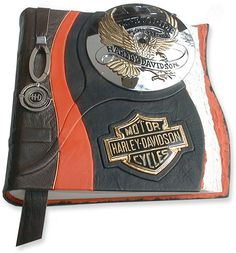 Not necessarily a wedding album - but this would be cool to put fun pics of our rides/road trips, Bike Runs, Benefit Runs, etc. Leather Book Covers, Leather Books, Harley Bikes, Harley Davidson Motorcycles, Motorcycle Wedding, Lady Biker, Biker Girl, Biker Chick, Biker Style