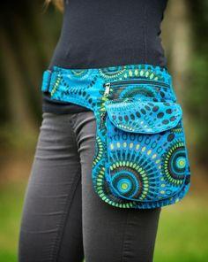 Hip Purse, Hip Bag, Ankara Bags, Easy Crafts To Make, Estilo Hippie, Handmade Cosmetics, Handmade Handbags, Beaded Bags, Grunge Hair