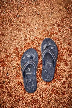 Did someone say water-friendly leather straps? Rubber Sandals, Mens Flip Flops, Leather Sandals, Water, Gripe Water, Aqua