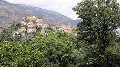 Paysage d'ensemble de la  ville de Corte (Haute Corse) (Photo David Raynal)