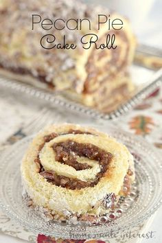 Pecan pie filling rolled into a light sponge cake make this pecan pie cake roll … Pecan pie filling rolled into a light sponge cake make this pecan pie cake roll a perfect Thanksgiving dessert and Christmas dessert. Bob's Red Mill Pecan Desserts, New Year's Desserts, Thanksgiving Desserts, Christmas Desserts, Dessert Recipes, Plated Desserts, Pecan Pie Cake, Pecan Pie Filling, Oreo Dessert