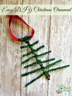 Easy to make pipe cleaner Christmas tree ornament. So cute and a great kids activity!