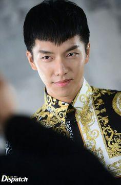 Devilish look❣️ Lee Seung Gi as Son Oh Gong in Hwayugi Lee Seung Gi, Asian Actors, Korean Actors, The King 2 Hearts, Hong Ki, Oh Yeon Seo, Gumiho, Handsome Prince, Lee Sung
