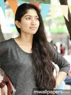 Premam heroin Sai Pallavi's HD Images and Wallpapers.Sai Pallavi HD Latest Images Stills Wallpapers.Malar Teacher Character Sai Pallavi Photos and Stills. South Actress, South Indian Actress, Latest Images, Latest Pics, Sai Pallavi Hd Images, Indian Heroine, Girl Photography Poses, Celebs, Celebrities