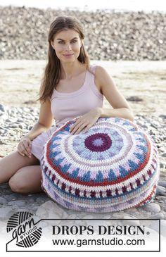Summer Solstice - free crochet pouffe pattern with chart by DROPS design. Pouf En Crochet, Crochet Cushions, Tapestry Crochet, Free Crochet, Pouffe Pattern, Crochet Pillow Pattern, Knitting Patterns Free, Crochet Patterns, Free Knitting