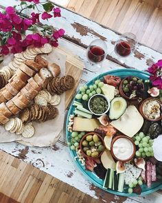 Our usual weekend ritual… find the biggest platter you can, fill it with cheese and then enjoy with your baby gals🍷💅🏼 Apparently 9 out of 10 women aren't getting enough dairy in their diet, but cheese is so delicious and good for you so we can't imagine why! Gals go for it, eat more Aussie cheese! #belegendairy #ad @thedairykitchen