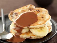 Comment résister à ces délicieux pancakes ? Impossible ! Pour la réalisation, ne vous inquiétez pas, on vous a préparé une petite sélection de recettes de pancakes salés et sucrés, pour ravir toute la famille… De quoi se lever du bon pied à l'heure du petit-déjeuner ou du brunch !