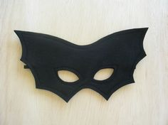Child Size Bat Mask . Mahalo . $10.00