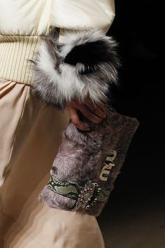 Miu Miu Fall 2017 Ready-to-Wear Koleksiyonu, http://mmoda.net/miu-miu-fall-2017-ready-to-wear-koleksiyonu/,  #2017 #AaliyahHydes #AchokMajak #AdwoaAboah #AidenCurtiss #AiraFerreira #AnnaEwers #AnsoletRossouw #BinxWalton #BirgitKos #ChuWong #DaryaKostenich #DiliaMartins #EdieCampbell #ElizaCummings #ElizabethAyodele #EllenRosa #EstelleYves #Ez #fall #Fall2017 #FernandaBeuker #GaelleGroff...