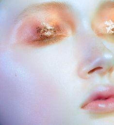 Pink + Goldglitter - Make-up and Nails - Makeup Make Up Looks, Looks Cool, Eye Makeup, Makeup Art, Hair Makeup, Airbrush Makeup, Makeup Brushes, Makeup Goals, Makeup Inspo