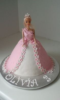 dollies Dolly Varden Milk chocolate and white chocolate swirl mud cake covered in fondant. Decorations hand-made of fondant (besides silver sugar. Barbie Torte, Bolo Barbie, Barbie Doll, Barbie Birthday Cake, 3rd Birthday Cakes, Princess Birthday, Elsa Torte, Dolly Varden Cake, Dress Cake