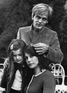 Klaus Kinski con la seconda moglie Ruth e la figlia Nastassja a Roma, a metà degli anni Sessanta (ANSA-DPA)