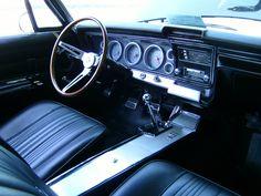 1967 Chevrolet Impala SS 427 Sport Coupe        427-cid 385-hp Turbo-Fire V-8