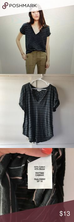"""Madewell Turntable split-neck tee Oakland stripe This super soft striped tee is in excellent used condition and has only been worn a couple of times. It has a drapey fit and curved hem. It measures approx 24"""" from underarm to underarm and approx 26"""" in length. Madewell Tops Tees - Short Sleeve"""