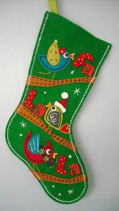 bota de fieltro con diseño navideño