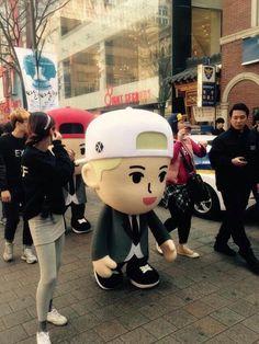 [FANTAKEN] 150328 #EXO: 'Call Me Baby' Myeongdong Event ©xing1007