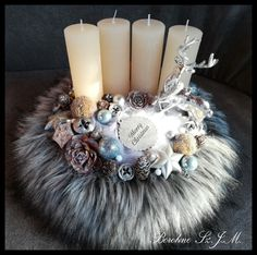 Christmas Time, Christmas Wreaths, Christmas Crafts, Christmas Decorations, Xmas, Holiday Decor, Centerpieces, Presents, Bling